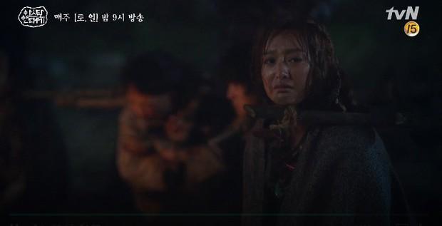 Song Joong Ki liều mình chui vào hang cọp cứu crush trong tập 3 Niên Sử Kí Arthdal - Ảnh 13.