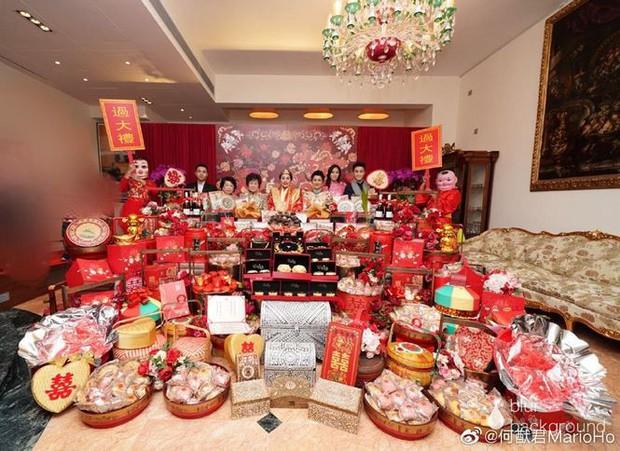 Choáng với sính lễ toàn vàng ròng trong đám cưới con gái 'vua sòng bạc Macau' - Ảnh 5.