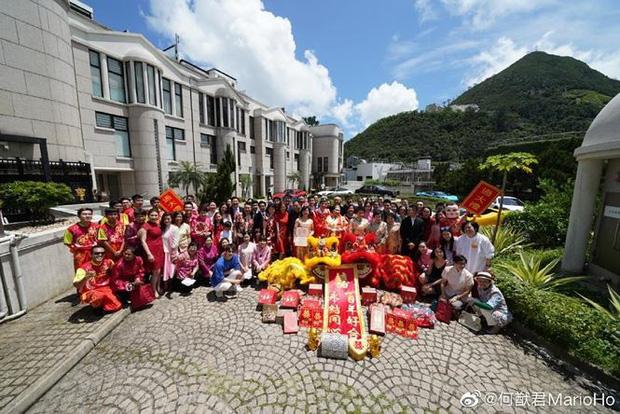 Choáng với sính lễ toàn vàng ròng trong đám cưới con gái 'vua sòng bạc Macau' - Ảnh 8.