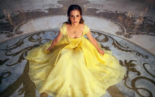 Nhan sắc 4 nàng công chúa Disney trong phim và đời thực: Emma Watson gây thất vọng giữa dàn ngọc quý đẹp lạ - Ảnh 9.