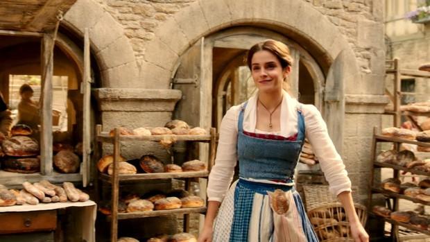 Nhan sắc 4 nàng công chúa Disney trong phim và đời thực: Emma Watson gây thất vọng giữa dàn ngọc quý đẹp lạ - Ảnh 10.