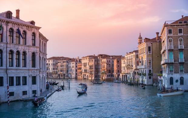 """Rome chính thức gia nhập những thành phố """"phát cáu"""" vì du lịch, không cẩn thận là khách tham quan bị cấm vĩnh viễn như chơi - Ảnh 7."""
