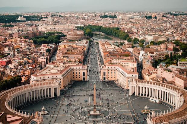 """Rome chính thức gia nhập những thành phố """"phát cáu"""" vì du lịch, không cẩn thận là khách tham quan bị cấm vĩnh viễn như chơi - Ảnh 1."""