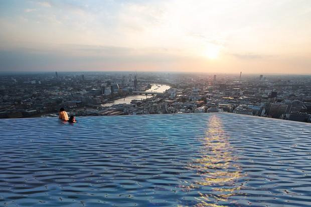Bể bơi vô cực 360 độ đầu tiên trên thế giới sắp được xây dựng và ra mắt tại London - Ảnh 3.