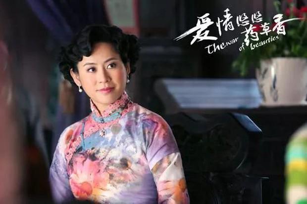 Thị hậu vượng phu Tuyên Huyên: Bị Trương Vệ Kiện đá do quá nổi tiếng, bạn tốt Viên Vịnh Nghi cạch mặt vì giật bồ? - Ảnh 21.