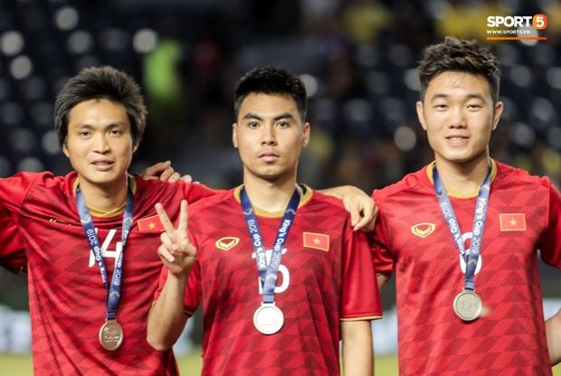 HLV Park Hang-seo troll Công Phượng, tiết lộ cái tên sợ đá 11m nhất ở chung kết King's Cup 2019 - Ảnh 2.