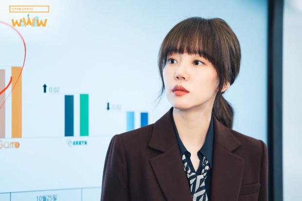 """5 lí do phải xem ngay """"Search: WWW"""" - Ba chị đại cung đấu vì top đầu ngầu nhất màn ảnh Hàn 2019 - Ảnh 14."""