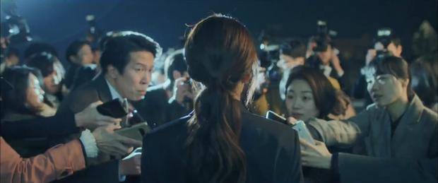 """5 lí do phải xem ngay """"Search: WWW"""" - Ba chị đại cung đấu vì top đầu ngầu nhất màn ảnh Hàn 2019 - Ảnh 19."""