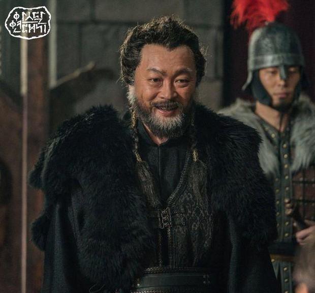 Kim Ji Won bùng nổ diễn xuất: Tự cắn đứt tay rồi bôi máu lên mắt, triệu hồi sói thần ngay tập 4 Niên Sử Kí Arthdal! - Ảnh 15.