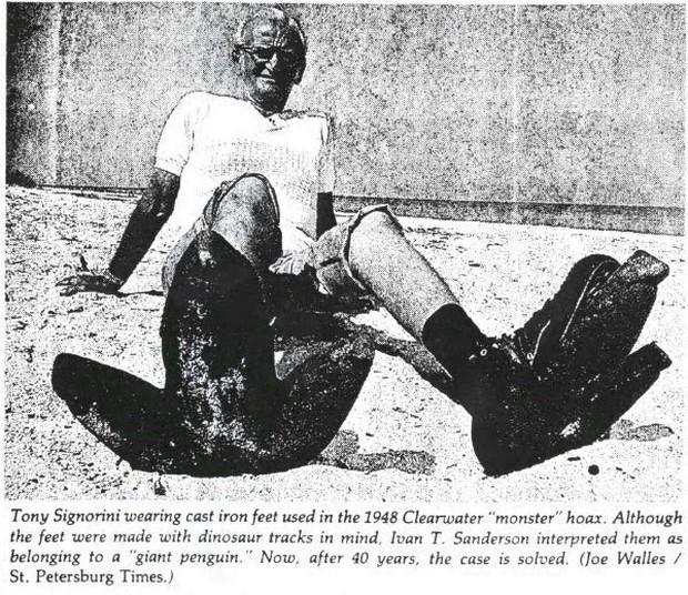 Cú lừa 40 năm: Con chim cánh cụt cao 4,5 mét dạo bước trên bờ biển Florida chỉ là trò chơi khăm - Ảnh 3.
