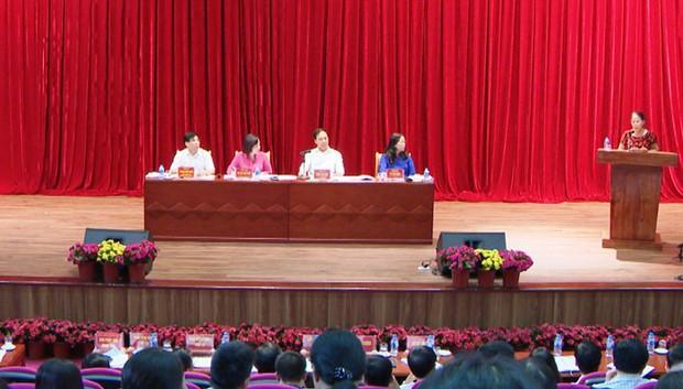 Gần 600 học sinh THPT ở Quảng Ninh nghỉ học phản đối chuyển trường: UBND tỉnh tổ chức đối thoại - Ảnh 2.