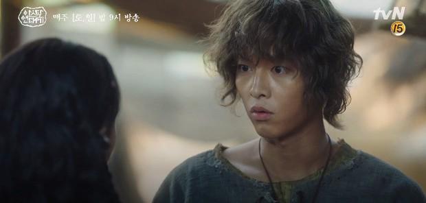 Kim Ji Won bùng nổ diễn xuất: Tự cắn đứt tay rồi bôi máu lên mắt, triệu hồi sói thần ngay tập 4 Niên Sử Kí Arthdal! - Ảnh 13.