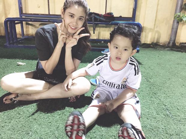 Clip: Con trai Tim - Trương Quỳnh Anh khóc như mưa khi đội tuyển Việt Nam về nhì tại King's Cup - Ảnh 2.