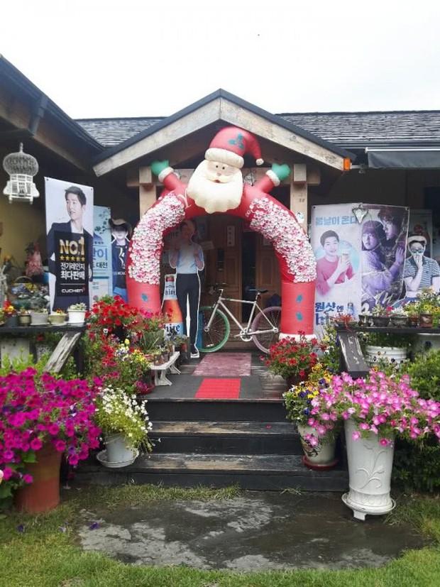 Phim trường Hậu Duệ Mặt Trời huỷ bỏ sự kiện tình nhân quy mô, quê nhà Song Joong Ki tẩy chay Song Hye Kyo? - Ảnh 6.