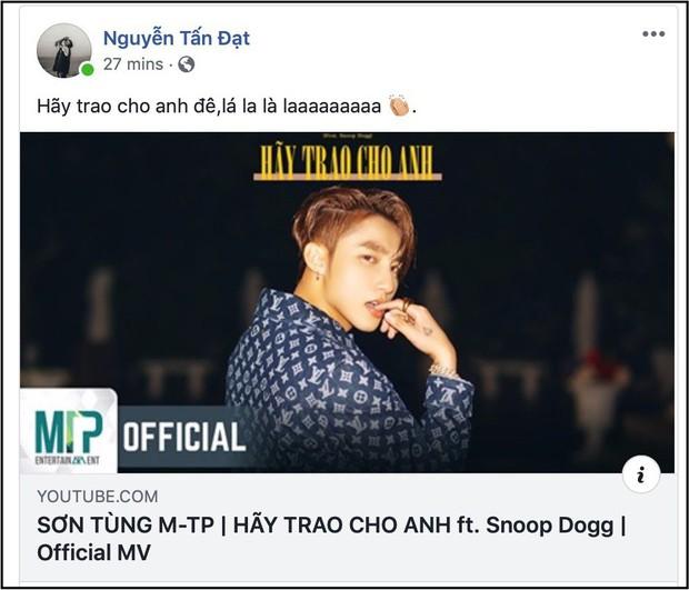 """Từng mỉa mai Sơn Tùng M-TP, nay Đạt G và B Ray lại cùng công khai ủng hộ MV """"Hãy trao cho anh"""" như chưa hề có chuyện gì xảy ra - Ảnh 1."""