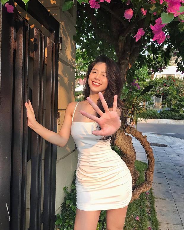 Hàn Hằng: Hành trình lột xác từ cô bé gầy đét đến hot girl Instagram câu follow nhờ quá nóng bỏng - Ảnh 19.
