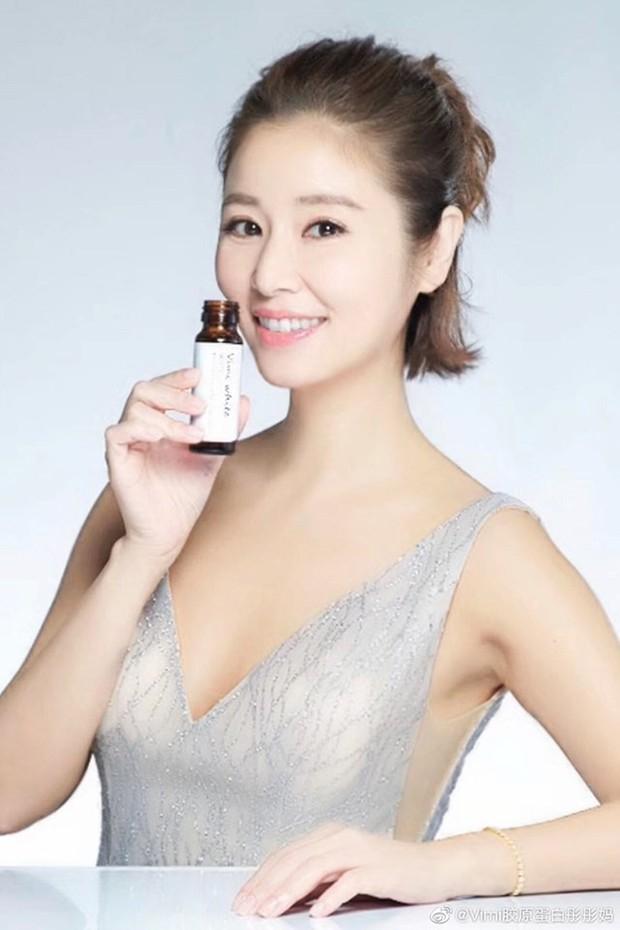 Style thì sến nhưng Lâm Tâm Như vẫn hack tuổi tài tình nhờ kiểu tóc như nữ sinh - Ảnh 6.