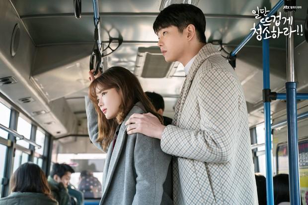 9 đôi đũa lệch đáng yêu khó cưỡng của phim Hàn: Nam Joo Hyuk đóng với ai cũng thấy cưng - Ảnh 34.