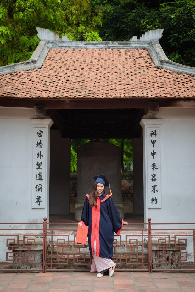 Nữ sinh người Thái tốt nghiệp thủ khoa trường Nhân văn với điểm 3.92/4: Điều mình shock nhất ở Việt Nam là quá nhiều xe máy và tiếng còi inh ỏi - Ảnh 6.