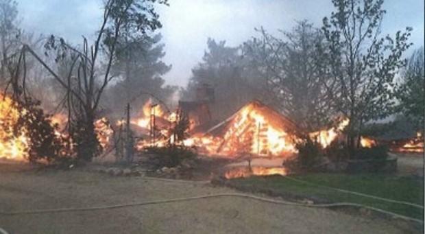 Bức ảnh 19 lính cứu hỏa cùng chung một số phận và câu chuyện thảm kịch trong vụ cháy rừng kinh hoàng nhất lịch sử nước Mỹ - Ảnh 4.
