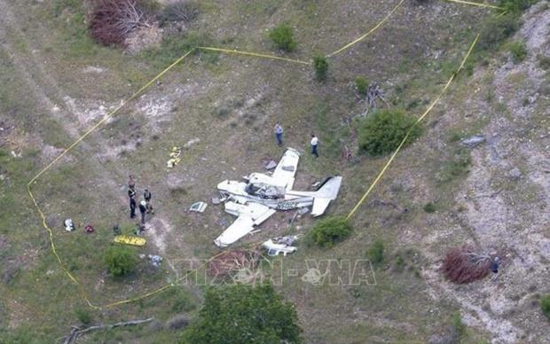 Rơi máy bay tại Texas, 10 người thiệt mạng  - Ảnh 1.
