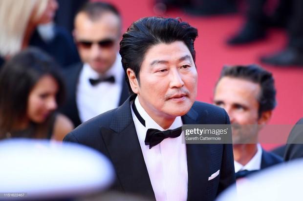 Dàn cast Kí sinh trùng và đông đảo sao Hàn dự tang lễ cố diễn viên Mặt trăng ôm mặt trời, chồng đạo diễn buồn rầu - Ảnh 2.