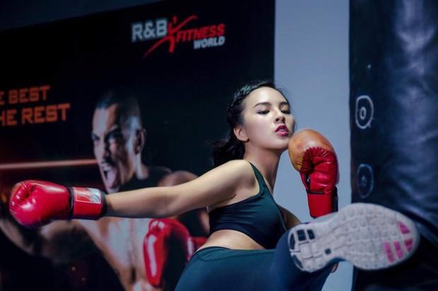 """Từng gây tranh cãi vì body mũm mĩm, bí quyết gì giúp Quỳnh Nga """"lột xác"""" thành cô nàng quyến rũ tại Miss World 2019? - Ảnh 6."""