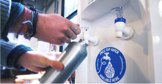 Cỗ máy này chính là giải pháp tuyệt vời mà xứ Wales đã dùng để giảm nhựa trên toàn quốc gia - Ảnh 4.