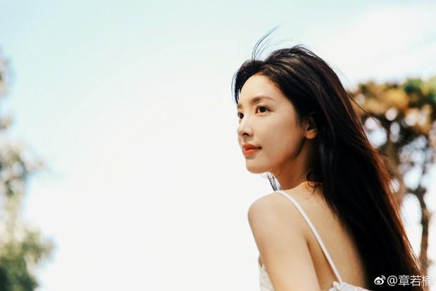 Tuyển tập ảnh mặt mộc cực phẩm của Chương Nhược Nam - mỹ nhân nổi đình đám nhờ được thiếu gia giàu nhất Trung Quốc follow - Ảnh 10.