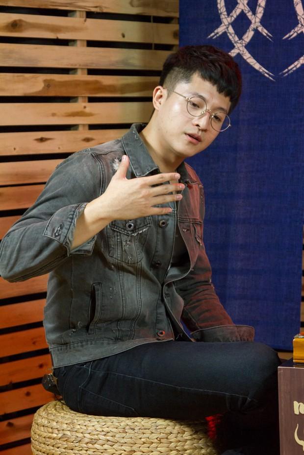 Harry Lu nhớ lại ám ảnh kinh hoàng sau tai nạn: Mặt biến dạng, xương gãy hết khiến bố mẹ đi qua giường bệnh cũng không nhận ra - Ảnh 3.