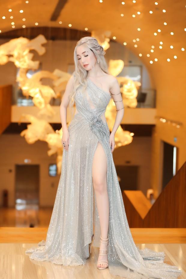 Elly Trần lên đồ cosplay Mẹ Rồng, ai ngờ bị màn vác kiếm choảng nhau của vợ chồng Khánh Thi giựt spotlight - Ảnh 3.