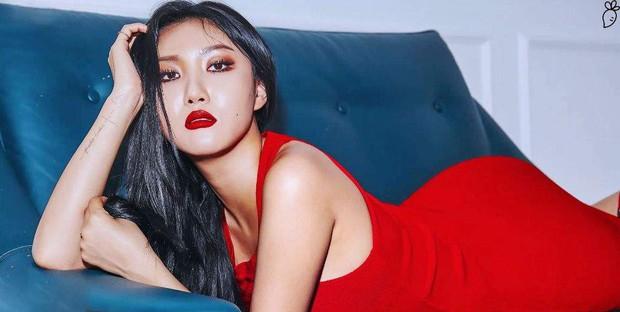 Biểu tượng sexy của Kpop gọi tên Hyuna, Hwasa (MAMAMOO) và loạt idol nữ: đều sở hữu body bức người, thần thái không chê vào đâu được - Ảnh 12.