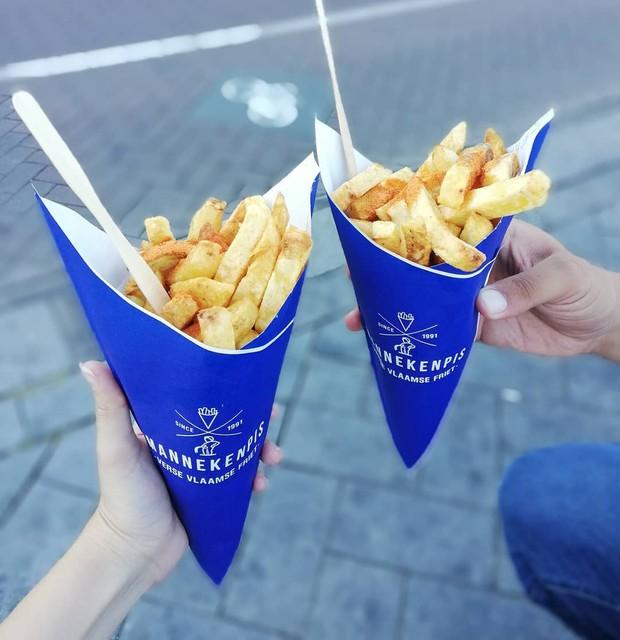 """""""Chịu thương chịu khó"""" như Minh Hằng: Lặn lội sang Amsterdam để… ăn và ăn, xếp hàng dài cả trăm người cũng đợi bằng được! - Ảnh 8."""