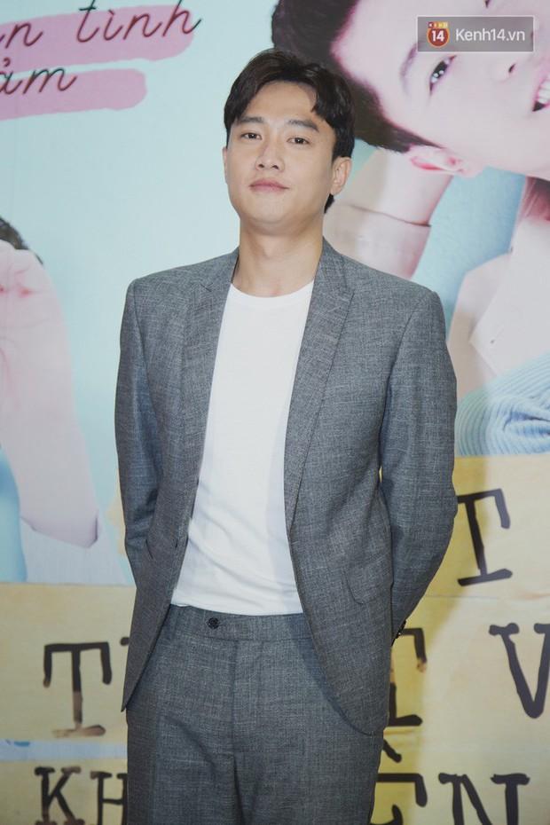Quốc Trường xuất hiện xơ xác, e ấp bên tình cũ Harry Lu đi ra mắt phim Thật Tuyệt Vời Khi Ở Bên Em - Ảnh 2.