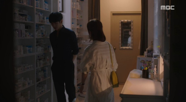 Dọa sẽ bóc phốt nếu không tránh xa Han Ji Min, Jung Hae In dằn mặt tình địch cực gắt trong tập 15 Đêm Xuân - Ảnh 8.