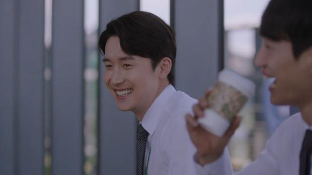 Dọa sẽ bóc phốt nếu không tránh xa Han Ji Min, Jung Hae In dằn mặt tình địch cực gắt trong tập 15 Đêm Xuân - Ảnh 5.