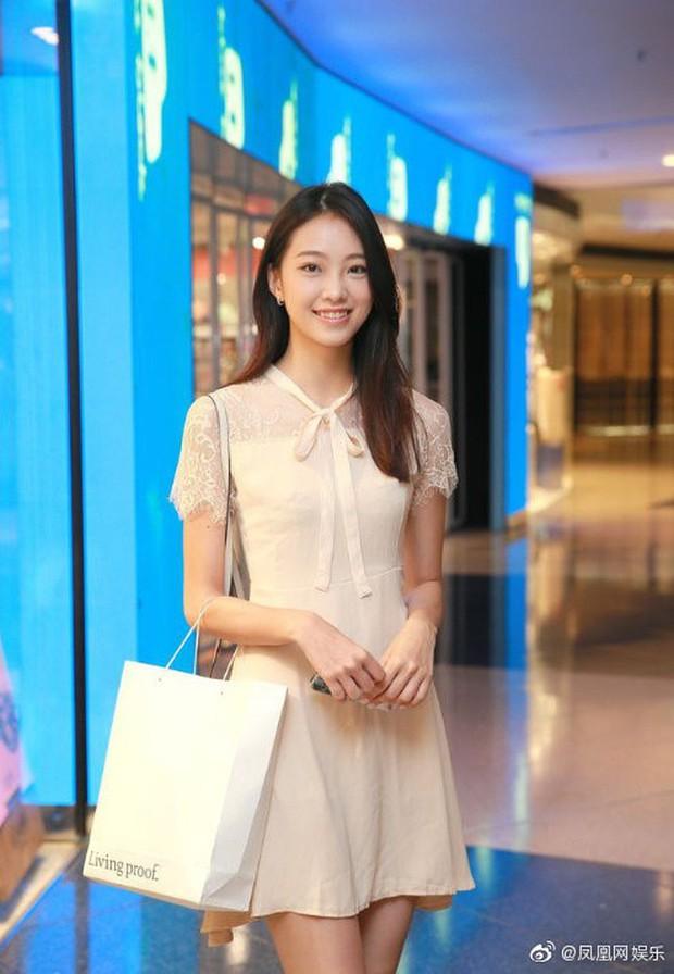 Top 15 Miss Hong Kong 2019: Nhan sắc đã chán đời mà style còn tệ hơn - Ảnh 12.