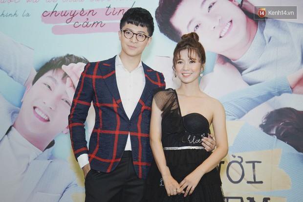 Quốc Trường xuất hiện xơ xác, e ấp bên tình cũ Harry Lu đi ra mắt phim Thật Tuyệt Vời Khi Ở Bên Em - Ảnh 3.
