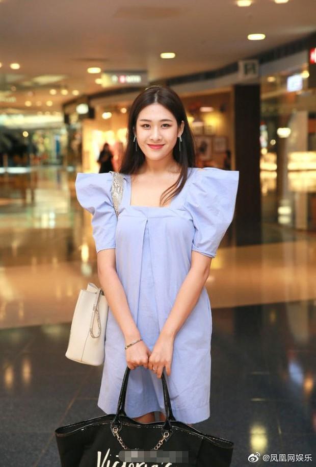 Top 15 Miss Hong Kong 2019: Nhan sắc đã chán đời mà style còn tệ hơn - Ảnh 7.