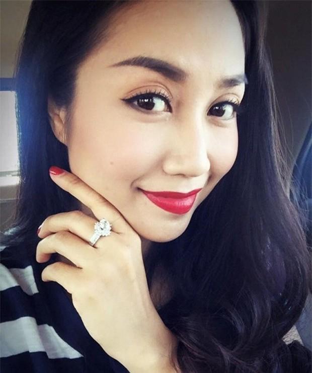 Đông Nhi khoe nhẫn kết hôn tạo thành trend, còn các mỹ nhân Việt khoe nhẫn thì ẩn sau là biết bao giai thoại gây chú ý - Ảnh 12.