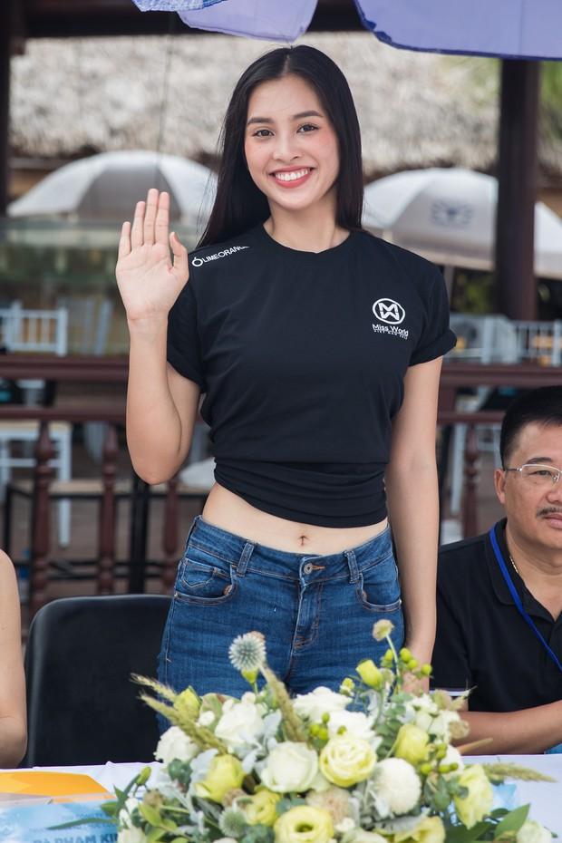 Bình An - Phương Nga diện giày đôi, cùng hội Hoa hậu tiếp lửa cho thí sinh Miss World Việt chinh chiến Người đẹp thể thao - Ảnh 2.
