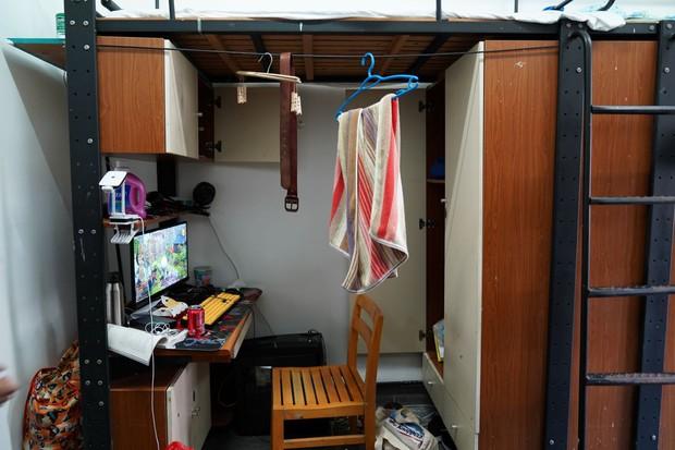 Chỉ với 350k, nam sinh khéo tay khoác áo mới cho phòng mình, các chị khóa trên liền ầm ầm xin số điện thoại - Ảnh 3.