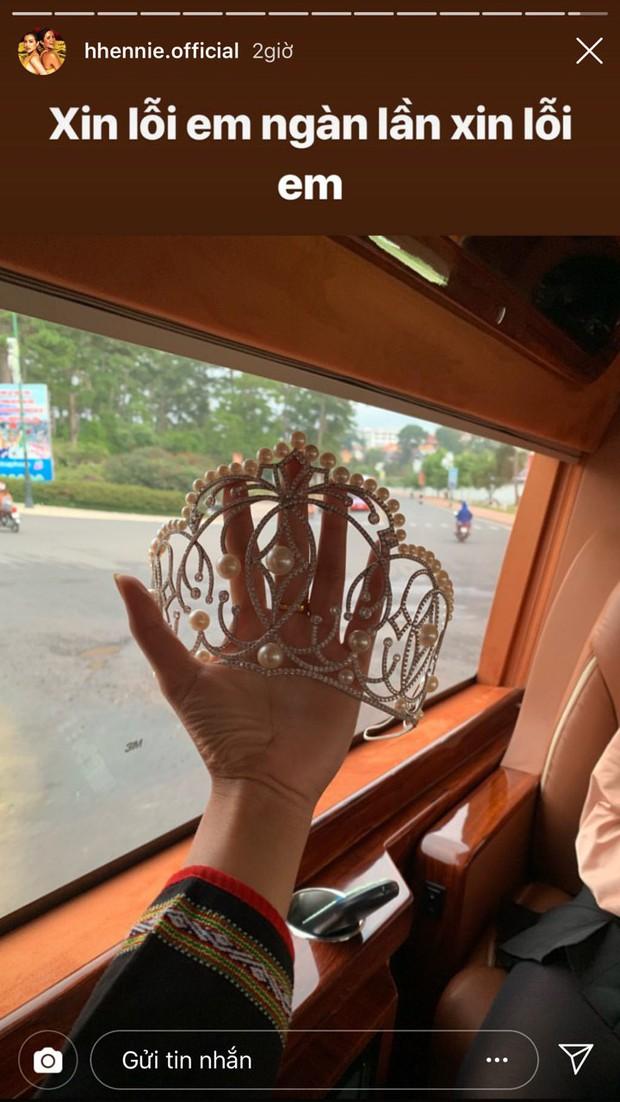 Thực hư chuyện HHen Niê làm gãy chiếc vương miện Hoa hậu trị giá 2,7 tỷ đồng - Ảnh 1.