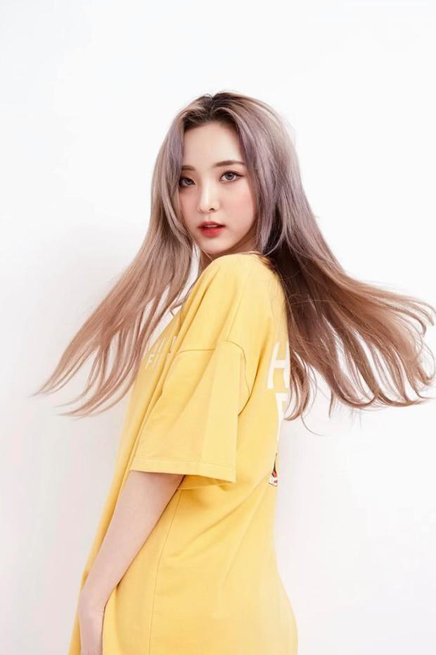 Nene - Hotgirl Thái Lan bất ngờ hoá gái ngoan trước giờ sang Việt Nam dự showmatch Đại chiến Youtuber Quốc tế - Ảnh 3.