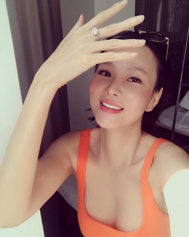 Biến showbiz: Dương Yến Ngọc bị chỉ trích khi chúc phúc Đông Nhi vẫn không quên nhắc quá khứ đàn em vừa xấu vừa hát dở - Ảnh 3.