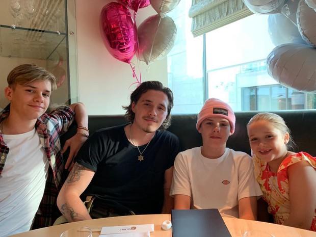 Nhờ sinh nhật của thiên thần nhỏ Harper, cuối cùng tin đồn về mâu thuẫn trong gia đình nhà Beckham cũng có lời đáp - Ảnh 1.