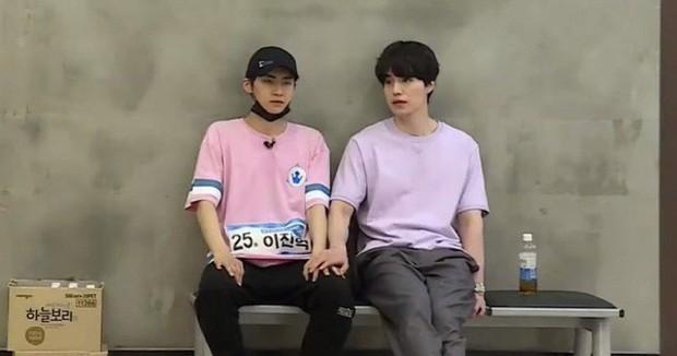 5 cặp anh em tình bể bình của Produce X 101: Host Lee Dong Wook bất ngờ sánh đôi cùng nam thí sinh! - Ảnh 15.