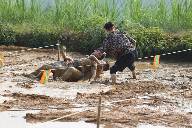 Kỳ Duyên, HHen Niê ngã xe địa hình, bật khóc trong tập 2 Cuộc đua kỳ thú - Ảnh 10.