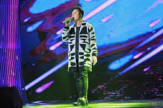 2 lần hát nhạc phim gây nức nở của Phan Mạnh Quỳnh: Chỉ đổi hai chữ phồn hoa thôi mà ai cũng khen tinh tế - Ảnh 4.