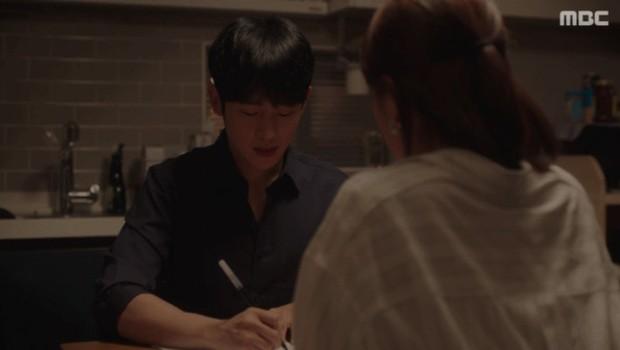Đêm Xuân tập cuối: Một kết thúc viên mãn cho cuộc tình đầy ắp trái ngoe của Jung Hae In và Han Ji Min - Ảnh 1.